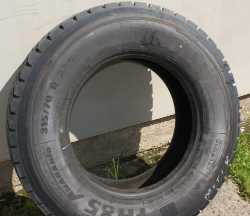 PIRELLI AMARANTO 315/70 R22,5 (protektor)